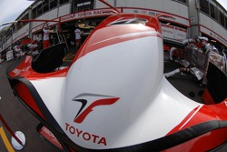 Toyota Racing, front wing