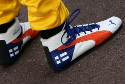Heikki Kovalainen, Renault F1 Team, race boots