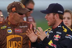 Brian Vickers discusses his golf game with Dale Jarrett