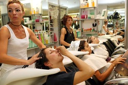 Formula Unas girls visit a beauty salon: Heloise Bien, Adriana Arevalo and Tahnee Frijters