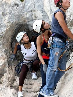 Formula Unas girls in a mountain climbing expedition: Katja Semenova and Tahnee Friijters