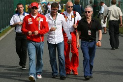 Kimi Raikkonen, Scuderia Ferrari, Steve Robertson and Dave Robertson