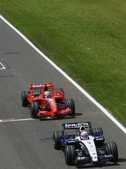 Alexander Wurz, Williams F1 Team, FW29 and Felipe Massa, Scuderia Ferrari, F2007