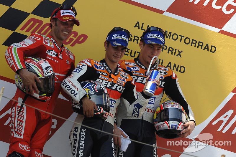 Podio: 1º Dani Pedrosa 2º Loris Capirossi, 3º Nicky Hayden