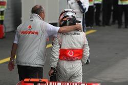 Ganador de la carrera Fernando Alonso con Ron Dennis