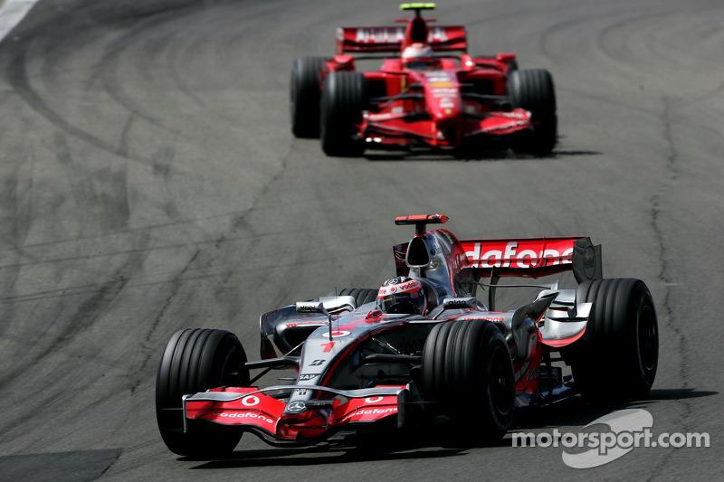 Фернандо Алонсо, McLaren Mercedes, MP4-22, Кімі Райкконен, Scuderia Ferrari, F2007