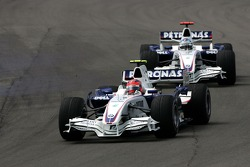 Robert Kubica,  BMW Sauber F1 Team y Ralf Schumacher, Toyota Racing