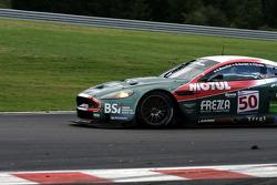 Arrêt de Bus: #50 Amr Larbre Competition Aston Martin DBR9: Christophe Bouchut, Gabriel Gardel, Fabrizio Gollin