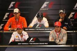 Фернандо Алонсо, McLaren Mercedes, Фелипе Масса, Scuderia Ferrari, Адриан Сутиль, Spyker F1 Team, Роберт Кубица,  BMW Sauber F1 Team и Нико Росберг, WilliamsF1 Team