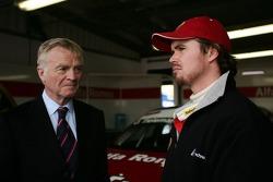 Max Mosley, FIA President and James Thompson, N Technology, Alfa Romeo 156