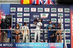 Podium, Felix Porteiro, BMW Team Italy-Spain, BMW 320si WTCC, Andy Priaulx, BMW Team UK, BMW 320si WTCC, Robert Huff, Team Chevrolet, Chevrolet Lacetti