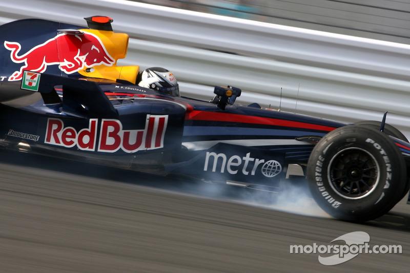 2007. Red Bull стала клиентом Renault