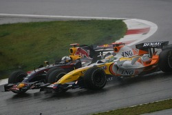 Giancarlo Fisichella, Renault F1 Team, R27 and David Coulthard, Red Bull Racing, RB3