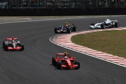 Кімі Райкконен (Ferrari), Фернандо Алонсо (McLaren Mercedes), Марк Веббер (Red Bull Renault), і Роберт Кубіца (BMW Sauber)