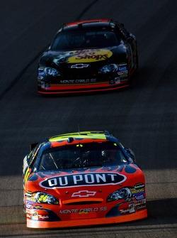 Jeff Gordon leads Martin Truex Jr.