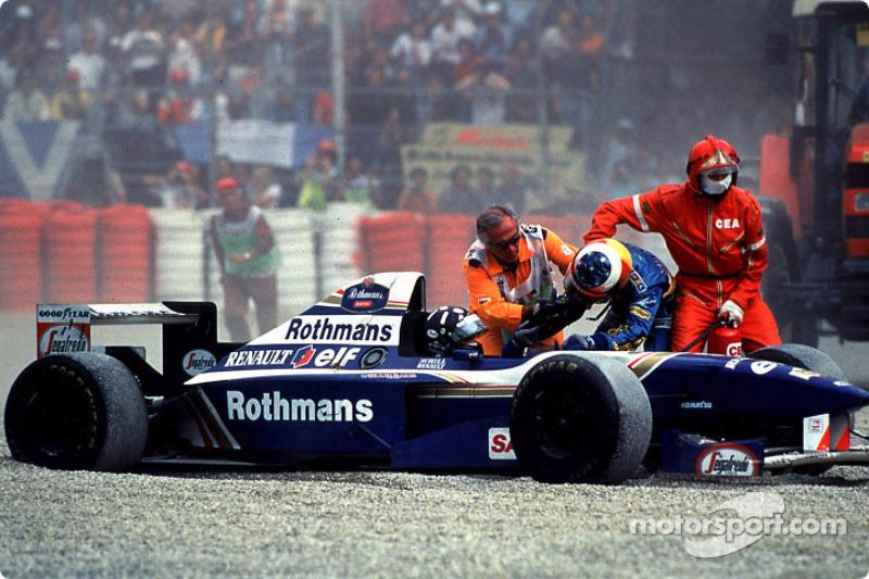 Schumacher se encara con Hill en Monza 1995