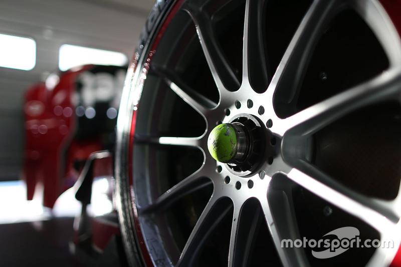 Audi RS 5 DTM wheel detail