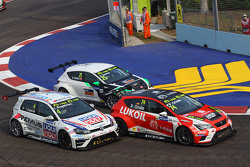 Tomas Engstrom, Volkswagen Golf TCR, Liqui Moly Team Engstler, Pepe Oriola, SEAT Leon, Team Craft-Bamboo LUKOIL and Stefano Comini, SEAT Leon, Target Competition