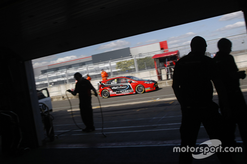 Майк Бушелл, AmD Tuningcom, Ford Focus