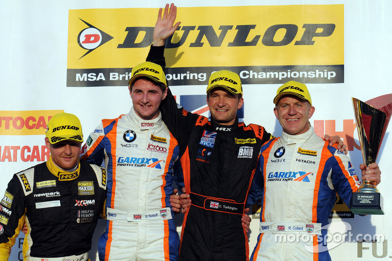 Race 3 Podium: second place Sam Tordoff, Team JCT600 with GardX and winner Colin Turkington, Team BM