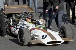 Sergio Pérez au volant de la BRM P153 du team Yardley