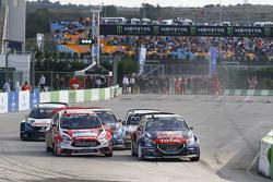 Inicio: Timmy Hansen, Team Peugeot Hansen lider
