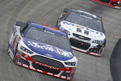Trevor Bayne, Roush Fenway Racing Ford and Tony Stewart, Stewart-Haas Racing Chevrolet