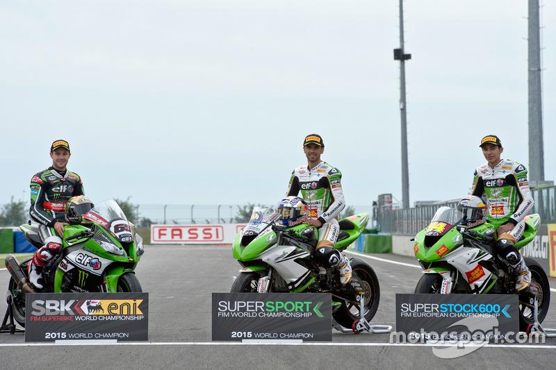 Jonathan Rea, Kawasaki Racing Team; Kenan Sofuoglu und Toprak Razgatlioglu, Kawasaki Puccetti Racing