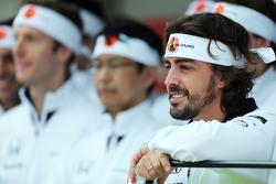 Fernando Alonso, McLaren celebra su GP 250