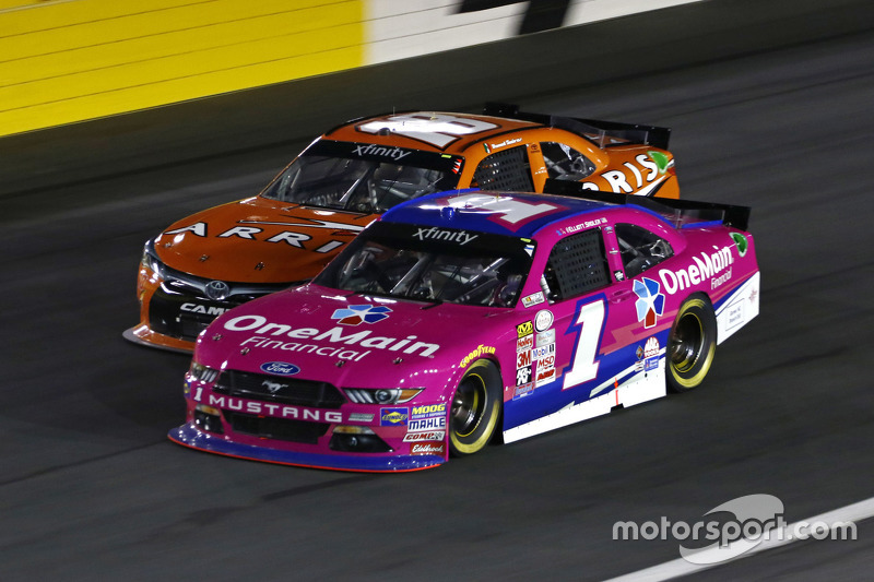 Elliott Sadler, Roush Fenway Racing Ford and Daniel Suarez, Joe Gibbs Racing Toyota