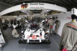 #18 Porsche Team Porsche 919 Hybrid: Ромен Дюма, Нид Джани, Марк Либ