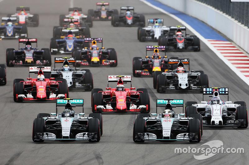 Casi todas las vueltas en Rusia, lideradas por Mercedes