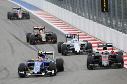 Felipe Nasr, Sauber C34 en Jenson Button, McLaren MP4-30