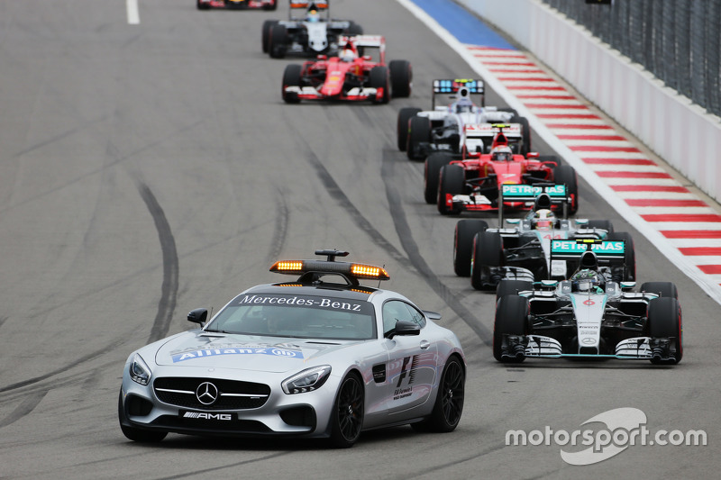 Nico Rosberg, Mercedes AMG F1 W06 leads behind the FIA Safety Car