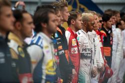 Льюис Хэмилтон, Mercedes AMG F1 во время исполнения национального гимна