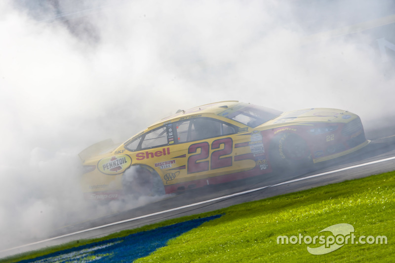 Race winnaar Joey Logano, Team Penske Ford