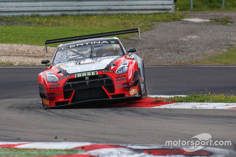 #23 MRS GT-Racing Nissan GT-R NISMO GT3: Marc Gassner, Florian Strauss