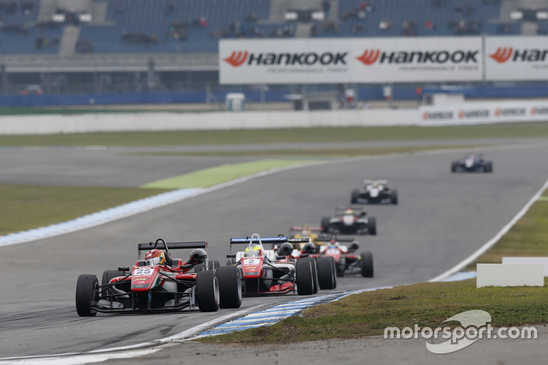 Lance Stroll, Prema Powerteam Dallara Mercedes-Benz and Jake Dennis, Prema Powerteam Dallara Mercede