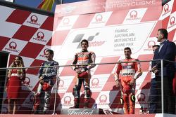 Podium : El segundo lugar, Jorge Lorenzo, Yamaha Factory Racing, ganador, Marc Márquez, Repsol Hond