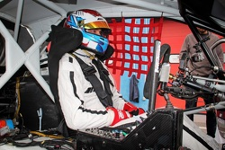 Виталий Петров за рулем Peugeot 208 Supercar