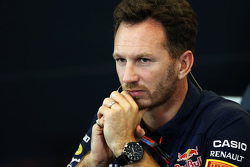 Christian Horner, Red Bull Racing, Teamchef, in der FIA-PK