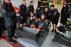 The Sahara Force India F1 Team грають during a wet qualifying session