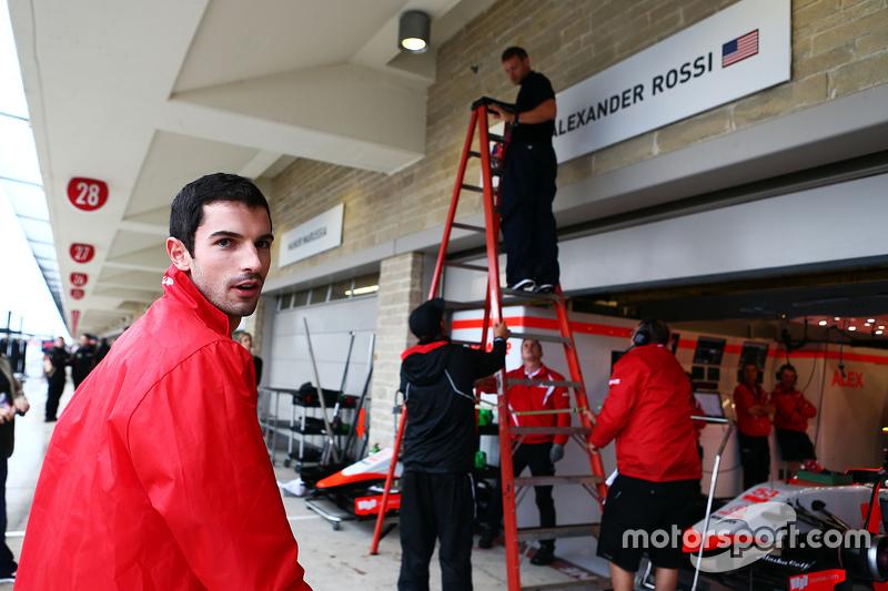 Піт боард для Александер Россі, Manor Marussia F1 Team is erected