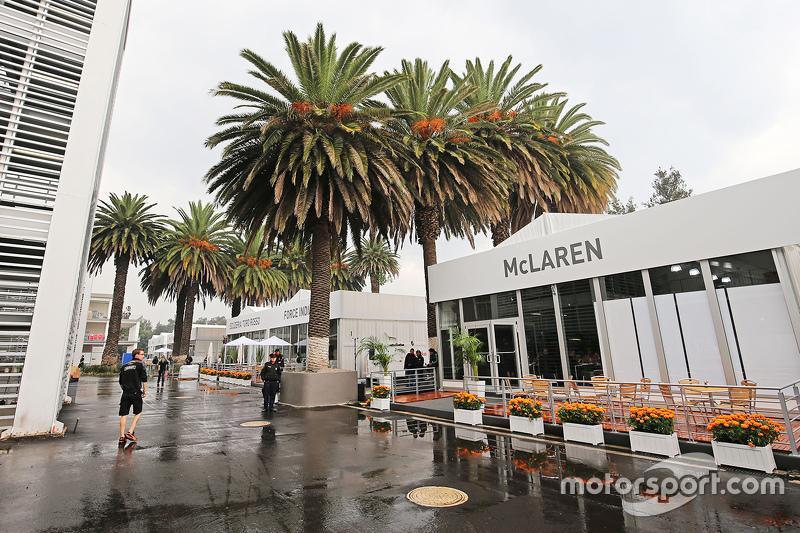 Paddock building for McLaren