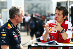 Jonathan Wheatley, Red Bull Racing Team Manager avec Massimo Rivola, Directeur sportif de Ferrari