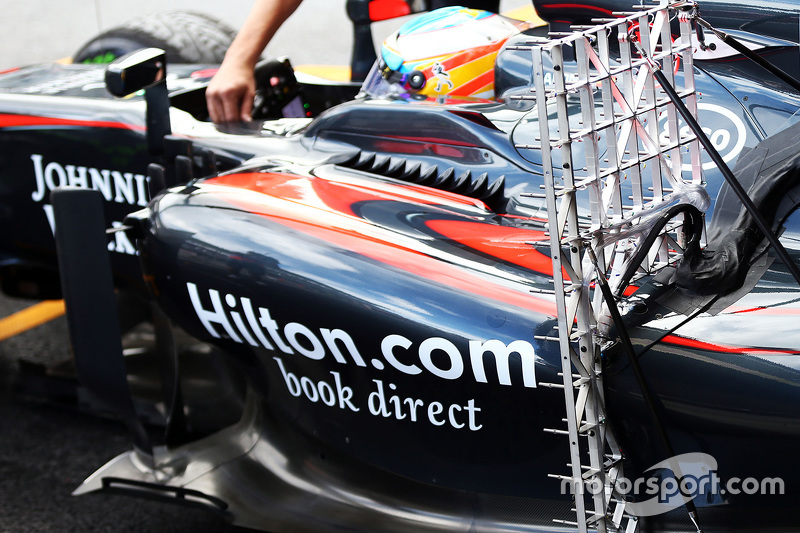 فرناندو ألونسو، مكلارين يستخدم معدات الإستشعار على غطاء المحرك