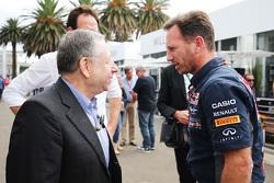 Presidente de la FIA, Jean Todt, con Christian Horner, Red Bull Racing