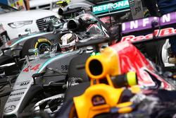 Lewis Hamilton, Mercedes AMG F1 W06 e Nico Rosberg, Mercedes AMG F1 W06