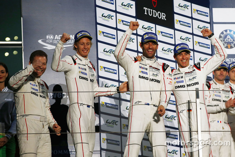 Podium: winners Timo Bernhard, Mark Webber, Brendon Hartley, Porsche Team with Andreas Seidl, Team P