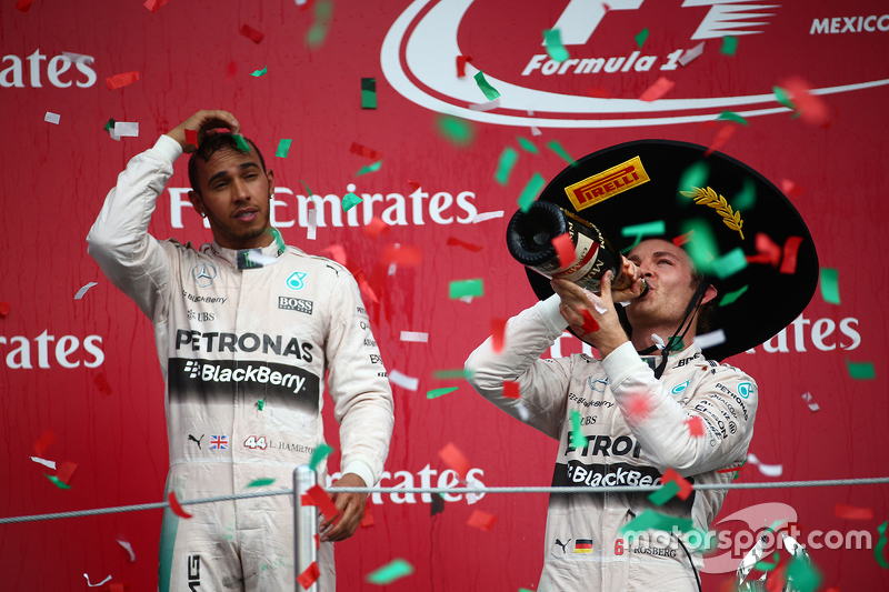 Podium: Second place Lewis Hamilton, Mercedes AMG F1 with race winner Nico Rosberg, Mercedes AMG F1 W07